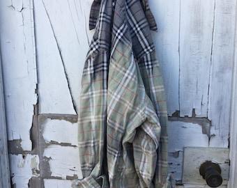 IMPERFECT Sz 2xl grey black red Faded Vintage Wash Flannel