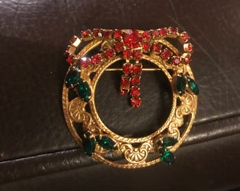 Vintage Rhinestone Wreath Christmas Brooch Pin