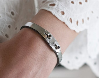Silver ITALIAN LEATHER Bracelet with Crystal Closure, Entirely Handmade in Italy (Silver Leather with Jet Black SWAROVSKI Crystal)