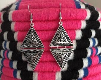 Triangle earrings in silver