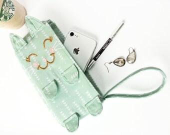 Kitten Clutch / Mintie. Mint arrows wristlet. Unique purse. Cat clutch. Cat accessory. Cute mint wristlet. Mothers Day gift. Cat mom gift.