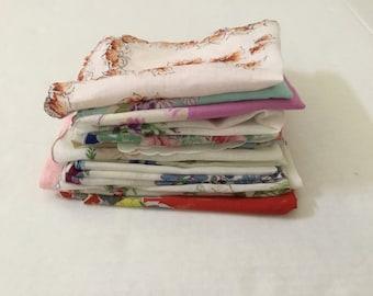 Vintage Handkerchiefs / Lot of 19