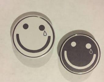 COIN smiley pins