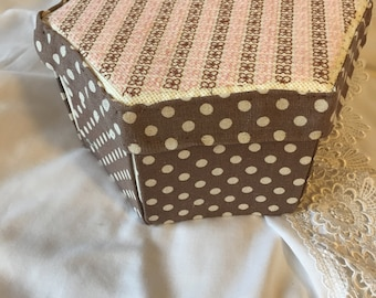 Shades of Brown with embroidered top Etui Sewing Box