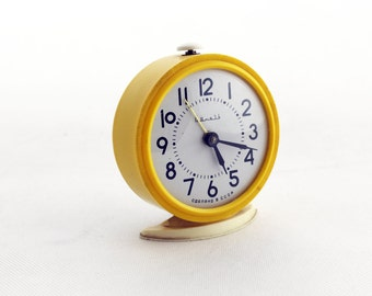 RESERVED FOR QUEENIE Vintage alarm clock, Yellow alarn clock, made in Russia 70s