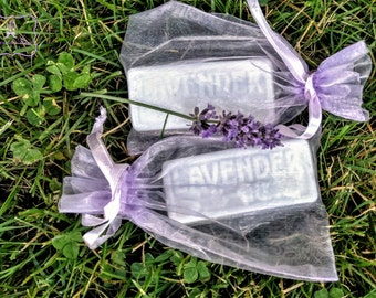 Hand Poured Lavender Goats Milk Soap Bar 1, 2 or 4.bars Essential Oil. Organza bag.  Creamy goat's milk.  Favors, gift, Christmas