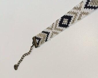 Bracelet tissée blanc argent et noir
