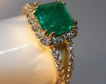 16.085 ct Beautiful Fortuna Gold Diamond and Emerald 6 1/2