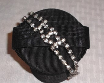 1950s Vintage Rhinestone Bracelet in Silver Tone Setting