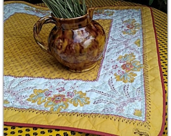 Vintage Olivades Quilted Tea Tablecloth Yellow Provence Cotton Fabric #sophieladydeparis