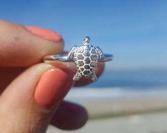 Sea turtle ring// made-to-order