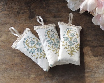 Floral Screenprinted Lace Trimmed Lavender Sachets Set of 3, Organic Lavender, Lavender Pillows, Natural Aroma Therapy