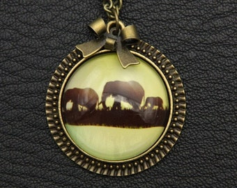 Three elephants Necklace, 2525C