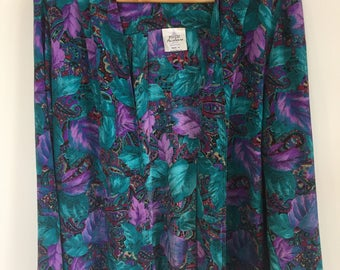 Green and Purple print. Light summer jacket with pockets. Size M-L