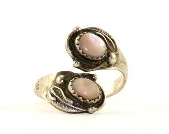 Vintage Robert Becenti Navajo Southwestern Mother of Pearl Overlap Ring 925 Sterling Silver RG 408