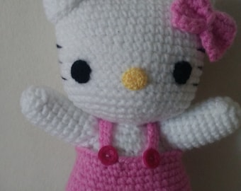 "crocheted figurine ""Hello Kitty"""