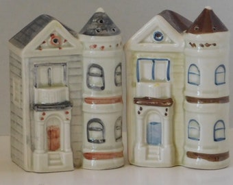 Victorian House Salt Pepper Shaker Set