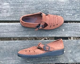 Size 7 Brown Suede Leather Moccasins Adjustable Buckle Strap Women's Vintage Shoes Dexter
