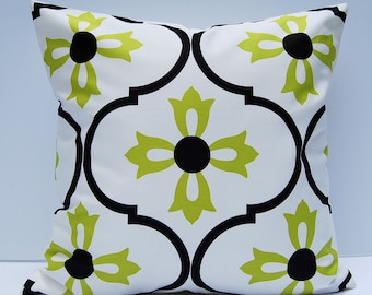 Green Decorative Pillow Cover, Green and White Geometric Throw Pillow, 18x18 Cushion Cover