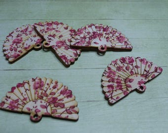Fan wooden pink flower pendant