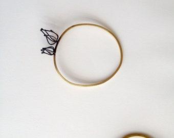 Wireframed Physalis flower brass bangle