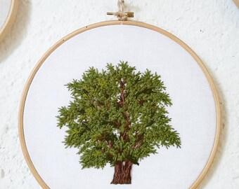 Hand - oak wool & linen embroidery