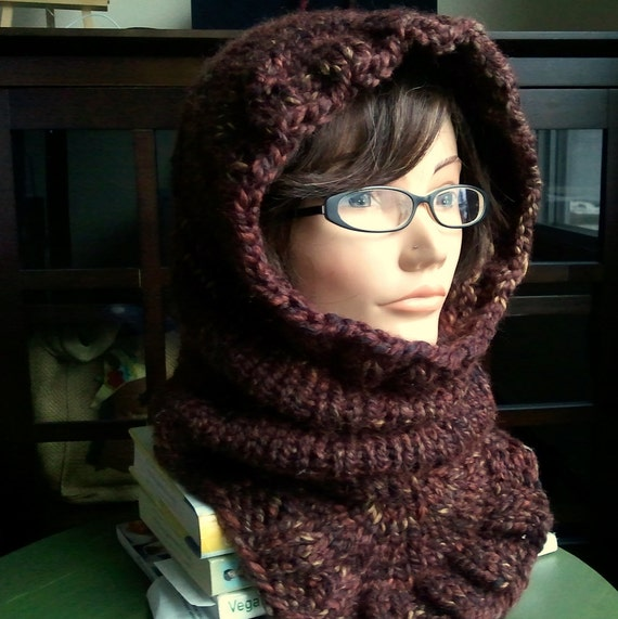 KNITTING PATTERN // PDF instant download // Super bulky yarn hood // Masyaf