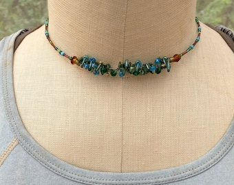 Beaded Choker necklace, coiled beaded choker, blue green beaded choker memory wire necklace, gift for women, trendy choker style necklace