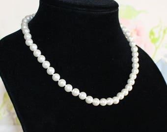 Gorgeous Vintage, Classic Pearl Necklace