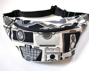 SALE 50% 0FF Bumbag Fannypack  retro cameras cotton fabric black ykk zip. fully lined fanny pack with key ring tab for children