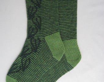 Handmade knitted socks, 100% wool socks, green socks, leaf pattern, size UK 6-7