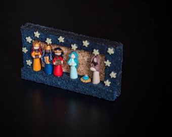 Nativity sets, frame with Nativity in Fimo to hang or support, with Magi