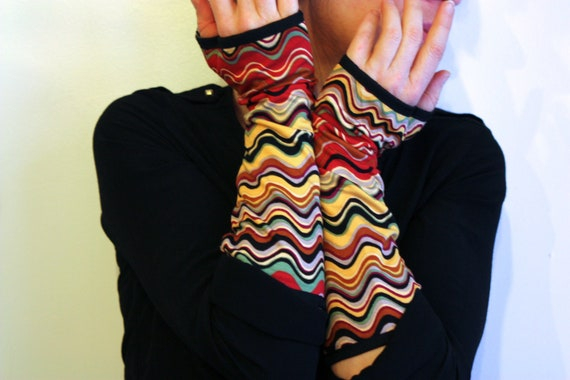 Long multicolored Chevron ripple patterned mittens, cotton Jersey