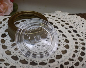 Vintage New Old Stock Jeannette Mason Jar Lid Clear Glass Insert and Metal Band B1426