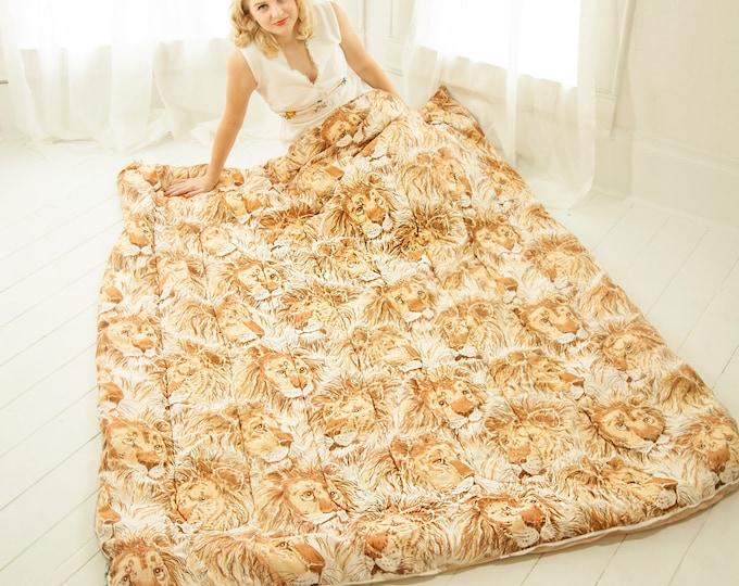 Vintage lions sleeping bag, white brown orange male lion novelty print animal print blanket, cotton fleece 1970s retro