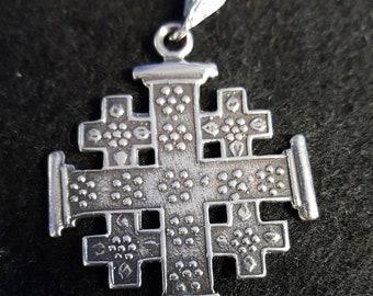 Very nice sterling silver Celtic cross pendant