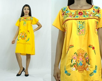 Mexican dress - Embroidery Dress - Floral - Ethnic - Puebla dress - Tehuacan- Bohemian - Vintage - Cinco de Mayo - S Size