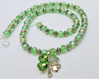 St Patricks Day necklace, Shamrock necklace, Clover necklace, Lucky necklace, St Patricks jewelry, Green necklace, Green jewelry, Birthday