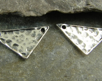 Minimalist Hammered Sterling Silver Triangle Link - Jewelry Supplies - Findings - Charms