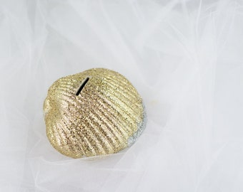 Ex Coin Collector Gold Glam Clam