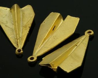 2 pcs Gold plated Brass paper plane Pendant 32 mm 551