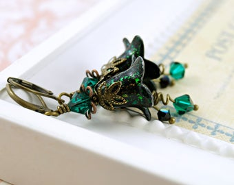 Gothic Green Lucite Flower Earrings, Dark Earrings, Vintage Style Earrings, Green Earrings, Crystal Earrings, Brass Earrings