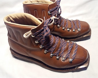 Vintage 1960's Brown Leather Ski Boots - NEW