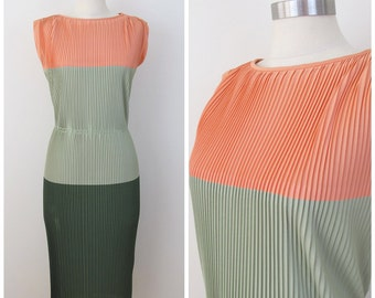 50s 60s Minx Modes Peach Green Color Block Accordion Pleat Column Dress, Size Small to Medium