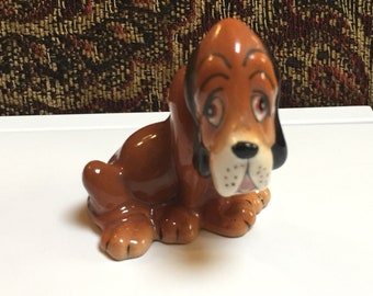 Small Blood Hound Figurune