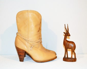 Slouchy Vintage Boots Buttercreme