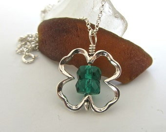 Celtic Irish ~ Shamrock ~ Clover ~ Sterling silver ~ kelly green glass beaded NECKLACE ~ 18 in chain