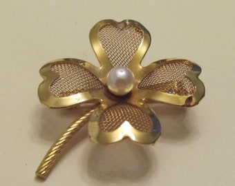 Vintage Shamrock Brooch Gold Tone with Faux Pearl