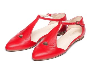 Red shoes, red sandals, women's shoes, flat sandals, handmade leather shoes, by Burlinca. Eiffel model