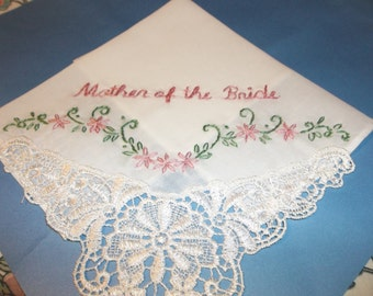 Mom gift, Mother of bride, groom, wedding handkerchief, wedding favor, daisy corner hankie, gift for parent, bride to mom, elegant gift